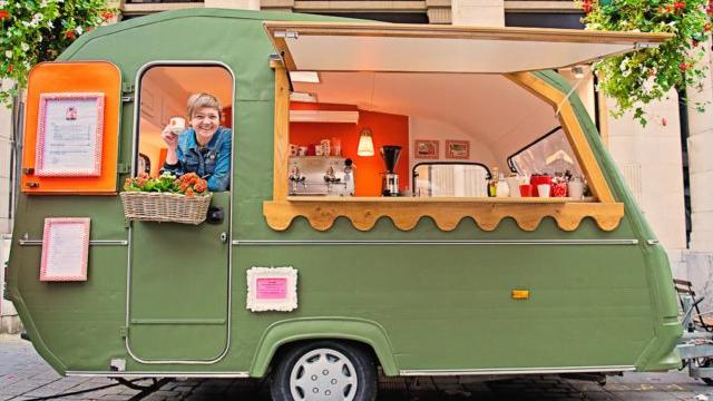 DE BUURVROUW - KOFFIE FOODTRUCK
