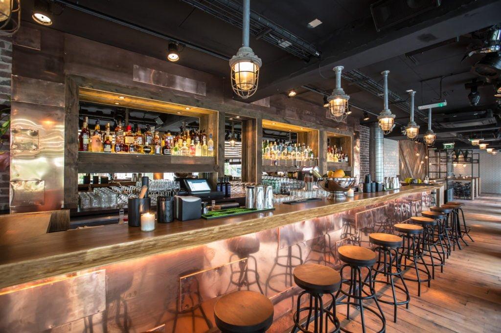 George cocktail bar in Rotterdam bij Scharrels en Schuim
