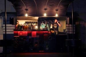 DJ en dranken bus - Bar mobil