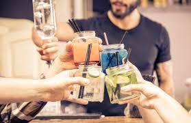 feestje met cocktails