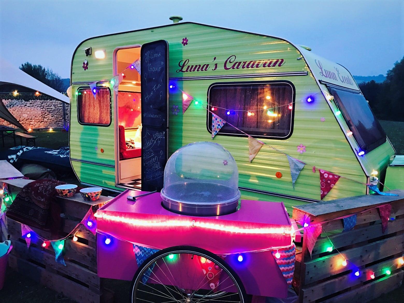 Luna's Caravan - Kids Entertainment Foodtruck