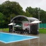 podium bij een zwembad